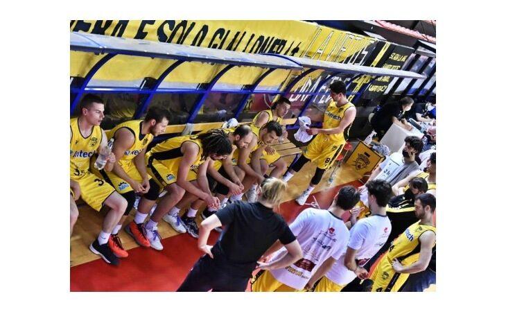 Basket C Gold, il primo ko per l'Intech Imola nel big match del Ruggi contro Ferrara