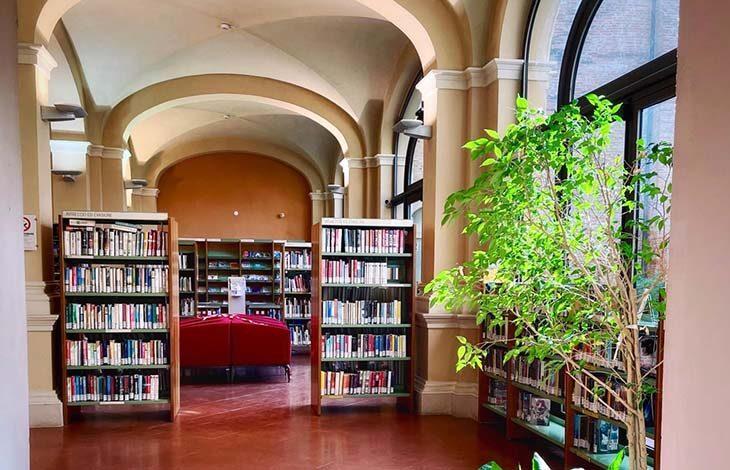 Biblioteca, a Imola da oggi riprende il servizio di consultazione di libri e riviste