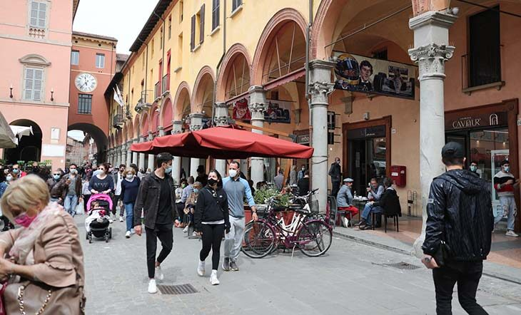 Coronavirus, l'Emilia Romagna resta in zona gialla, novità dal 16 maggio per chi arriva in Italia dai Paesi Ue