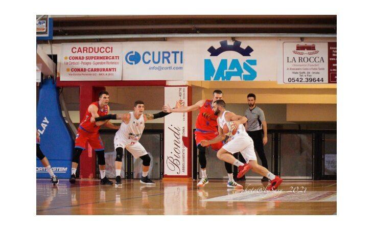 Basket serie B, l'Andrea Costa si porta sul 2-0. Ora la serie si sposta ad Ozzano