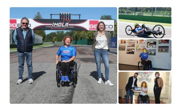 L'atleta paralimpica Francesca Porcellato all'autodromo per preparare i Giochi di Tokyo