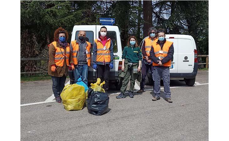 Successo per «PuliAmo Dozza», i volontari hanno raccolto ben 180 chili di rifiuti