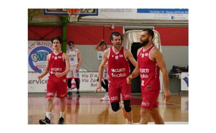 Basket serie B, l'Andrea Costa si salva con l'ex Morara. Per Ozzano ora dentro o fuori contro Cecina