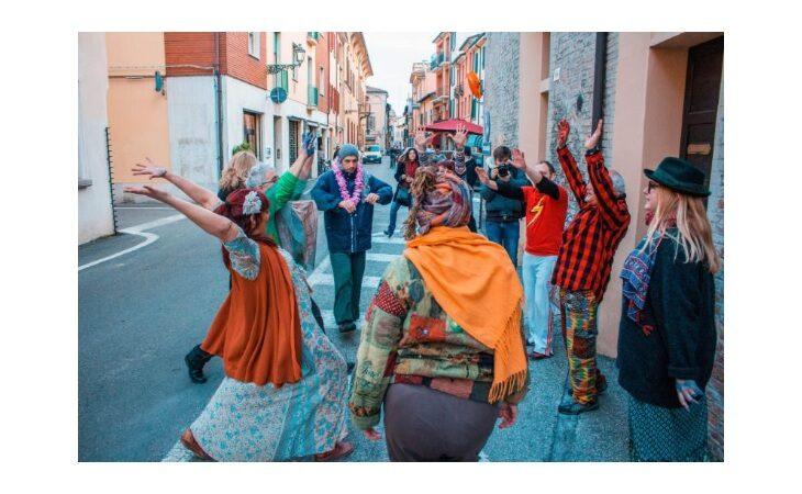 L'associazione imolese Opera lancia «Urgenze», il festival in strada delle performance artistiche e culturali