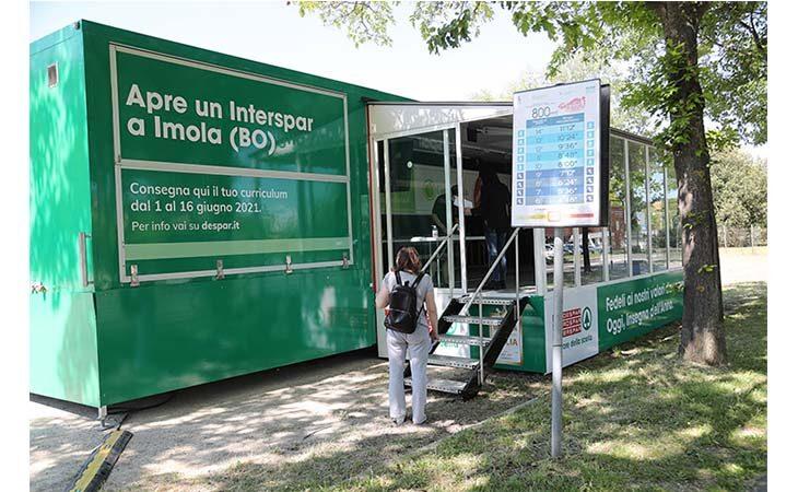 Despar cerca personale per il nuovo supermercato di Imola, in via Pirandello un truck per portare il proprio curriculum