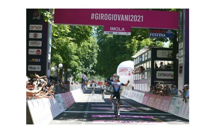 Giro d'Italia U23, a Imola trionfa lo spagnolo Juan Ayuso