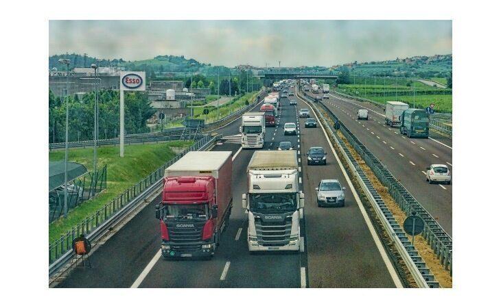 Auto ibride, la Regione stanzia altri 450 mila euro per il bonus