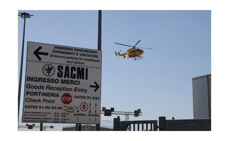Incidente sul lavoro alla Sacmi, operatore investito da un collega sul muletto