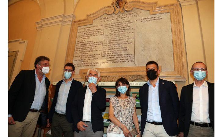 L'azienda Andalò Gianni fra i benemeriti della biblioteca comunale di Imola