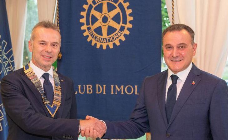 Rotary club di Imola, la presidenza passa al docente universitario Giuseppe Torluccio