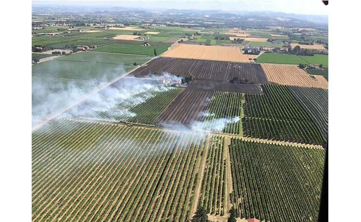 Incendio nelle campagne imolesi, in fiamme dieci ettari di terreno