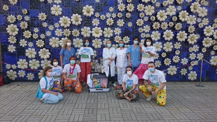 L'associazione di volontariato Il Ponte azzurro dona kit alla Pediatria di Imola