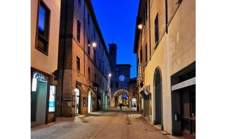 Lavori al palazzo comunale, tratto di via Appia chiuso al traffico per due giorni