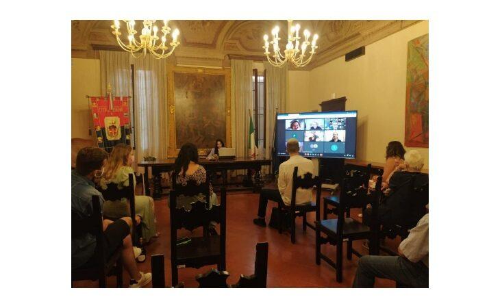 Lauree nella Sala del Consiglio di Medicina, l'iniziativa promossa dal Comune piace ai laureandi