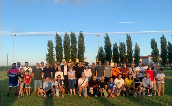 Dal torneo di calcio in memoria di Danilo, Luca e Nikos una donazione da 5 mila euro per l'Ausl di Imola