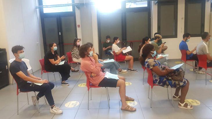 """Coronavirus, impennata di vaccinazioni, Romagna e San Marino ci """"regalano"""" delle dosi. Ausl: """"Giovani prenotate prima possibile"""""""