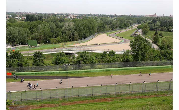 Apertura autodromo, sarà un Ferragosto in pista ma senza bici e mezzi a motore