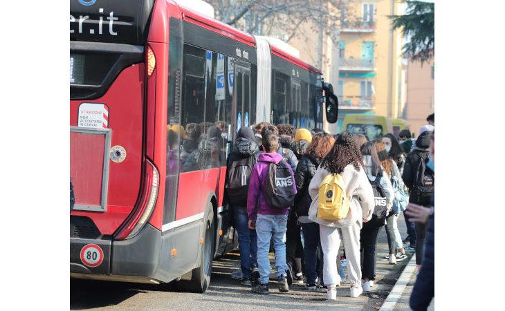 Autobus, abbonamenti gratuiti per gli studenti under 14 dell'Emilia Romagna, richieste al via da fine agosto