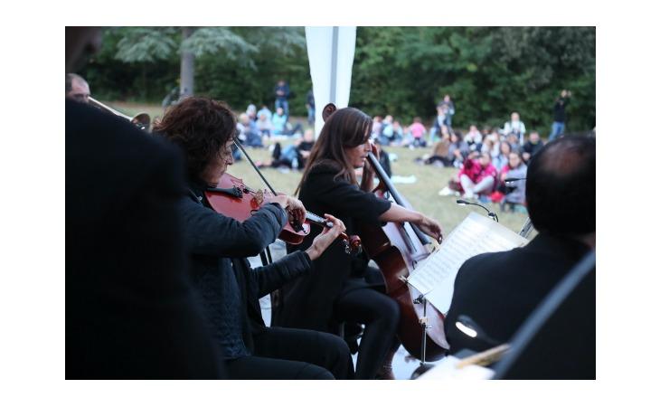 L'edizione 2021 di «Imola in Musica» si è aperta con il concerto all'alba al parco Tozzoni – Le immagini più belle