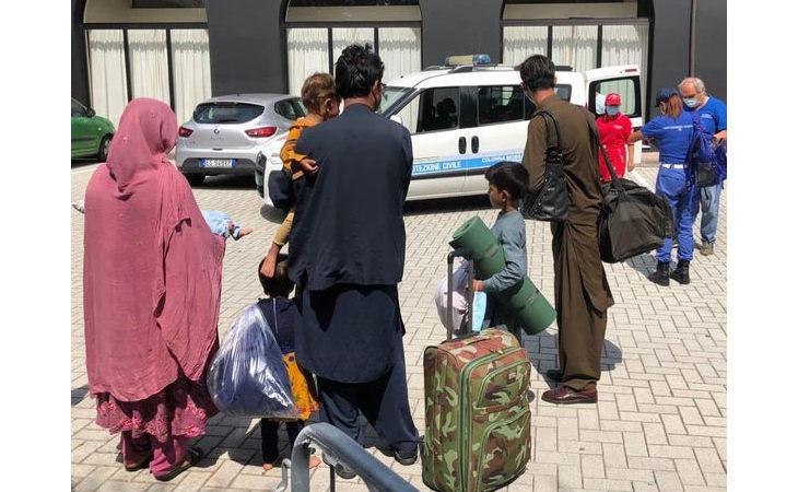 Crisi afghana, accolti a Imola i primi profughi in arrivo nel circondario