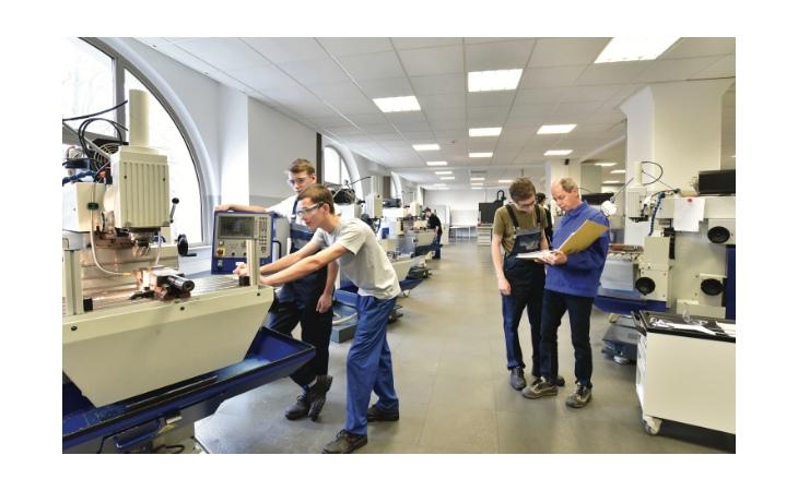 Laurea in Ingegneria meccatronica, a Imola un «ponte» per il futuro