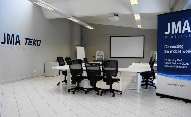 Cercasi informatici, la castellana Teko Telecom tra le 11 aziende del progetto regionale che li recluta all'estero