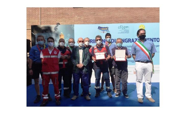 Premiati al Maggiore di Bologna i volontari in servizio all'hub vaccinale di Castel San Pietro