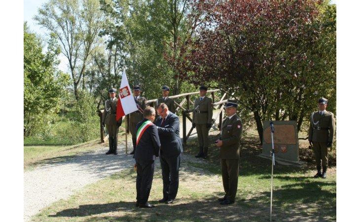 Medaglia pro patria della Repubblica di Polonia conferita al sindaco Fausto Tinti