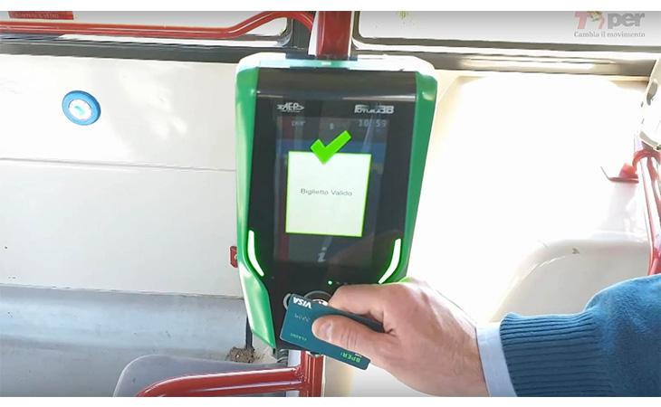 Tper, anche a Imola il biglietto del bus si può pagare a bordo con carte contactless