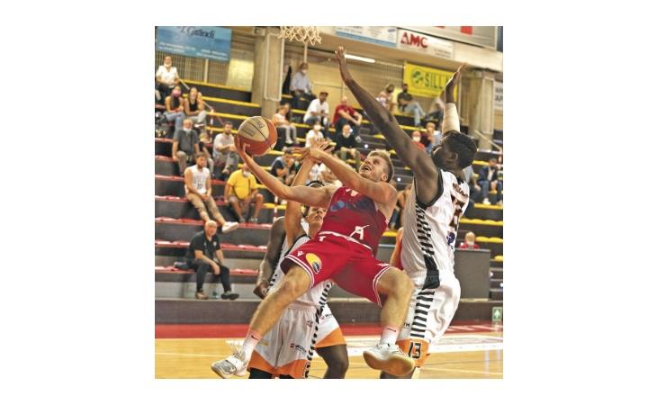 Basket serie B, la domenica perfetta di Andrea Costa e Sinermatic Ozzano