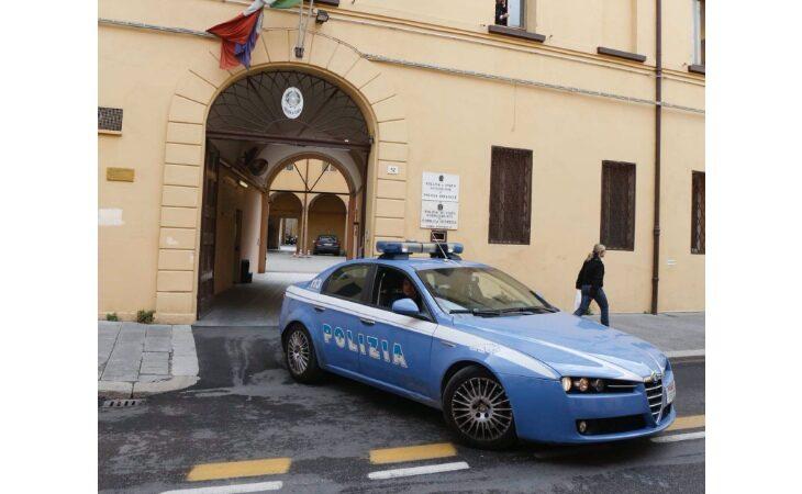 Auto prende fuoco nel quartiere Cappuccini, non è esclusa la pista dolosa